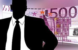 Arbeitsvermittler und Geldschein