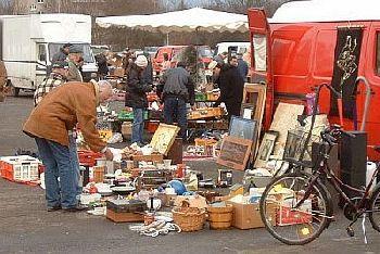 Typischer Flohmarktstand