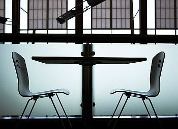 Was hat das Sitzen und Atmen mit Lernen zu tun?