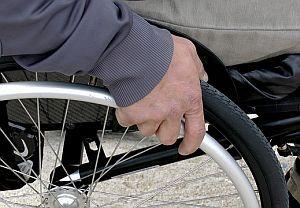 Rollstuhl mit Person