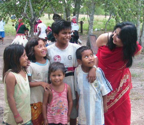 Medium Tedora und Maka Indianer Paraguay
