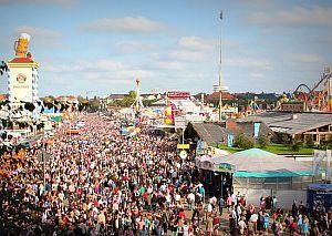 Menschenmenge auf Oktoberfest